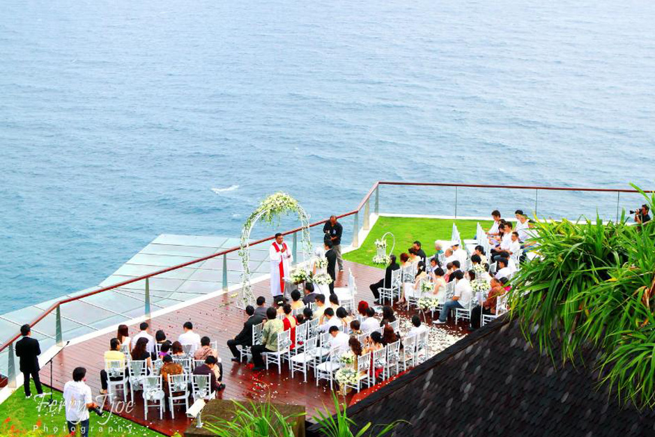 The Edge Bali Villa Wedding 02