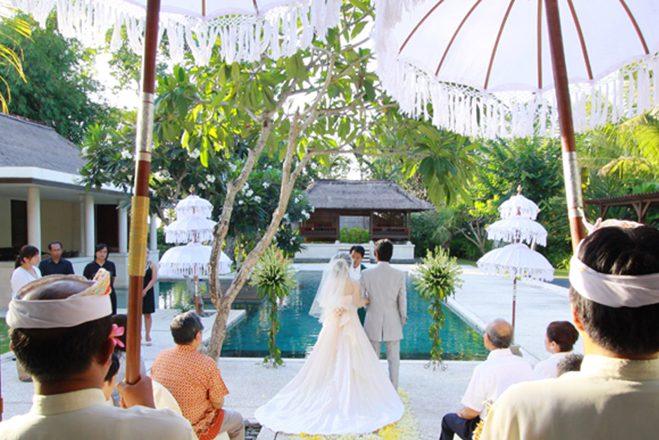 Photo Four Season Jimbaran Garden wedding 03