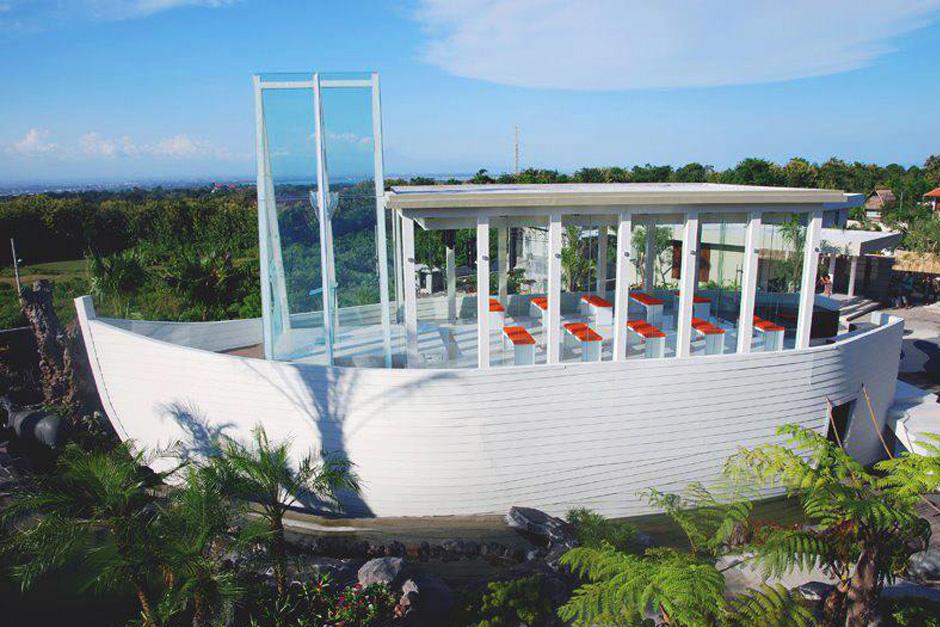 Photo Noah Chapel Bali 04