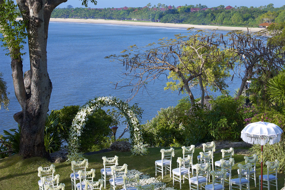 Photo Four Season Jimbaran Garden wedding 01