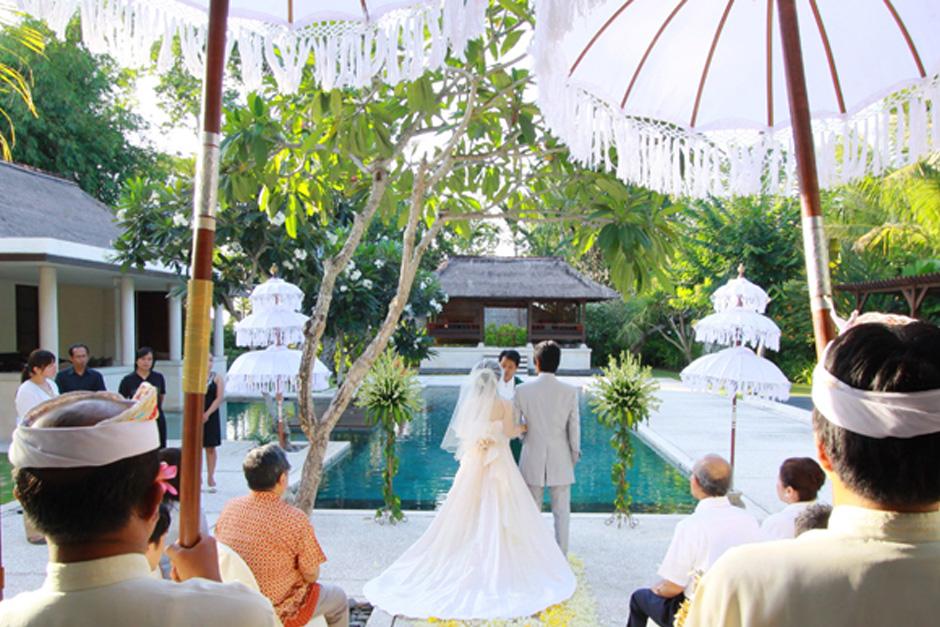 Photo Four Season Jimbaran Garden wedding 03